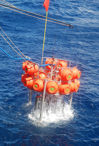 The deep-sea benthic chamber lander (Sweetman group)